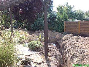 Rohrsanierung - Aufgegrabener Boden zur Verlegung des neuen Rohrs